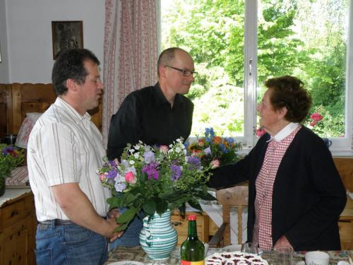 90. Geburtstag Frau Ing. Helga Wagner - Vorstand gratuliert